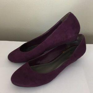 Purple suede wedge